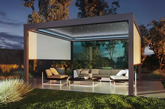 pergola-bioclimatique-ciel-etoile-jardin-700x466