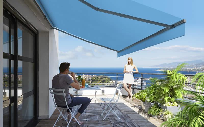 store-banne-bleu-balcon-800x500-2