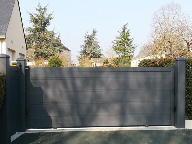 portail-coulissant-contemporain-gyt